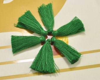 50pc 30mm Green Mini Tassels Tiny Short 100% Cotton Tassels Handmade Jewelry Making Tassels Pendant DIY Craft Supplie,Earring tassels