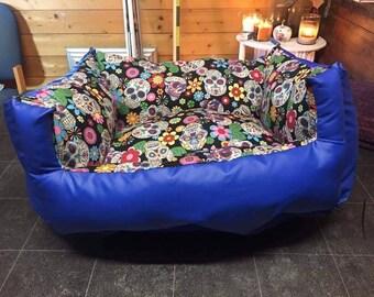 Sugar skull and waterproof pet bed
