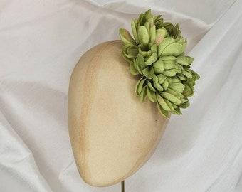 Green hair flower clip/green dahlia hair flower/everyday hair flower/green corsage/green dahlia corsage/Pin Up Curl/vintage hair flower