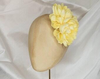 Yellow hair flower clip/yellow dahlia hair flower/everyday hair flower/yellow corsage/yellow dahlia corsage/Pin Up Curl/vintage hair flower