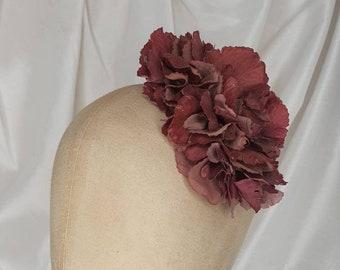 Burgundy hair flower clip/hydrangea flower/Pin Up Curl/Vintage hair flower/40s hair flower/Small hair flower/Burgundy corsage