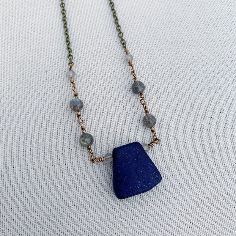 Lapis lazuli and labradorite crystal necklace chakra necklace gemstone necklace boho necklace healing crystals bohemian jewelry