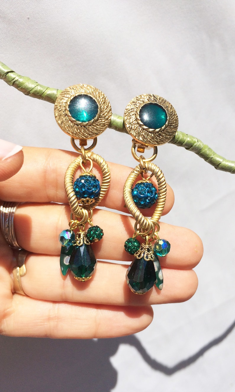 long earrings dangle cristal French design Hand made Nickel free vintage cabochon CLIP on earrings Green Emerald /& gold earrings