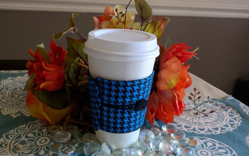 Coffee sleeve / cozies/cozy  Blue Houndstooth design  image 0