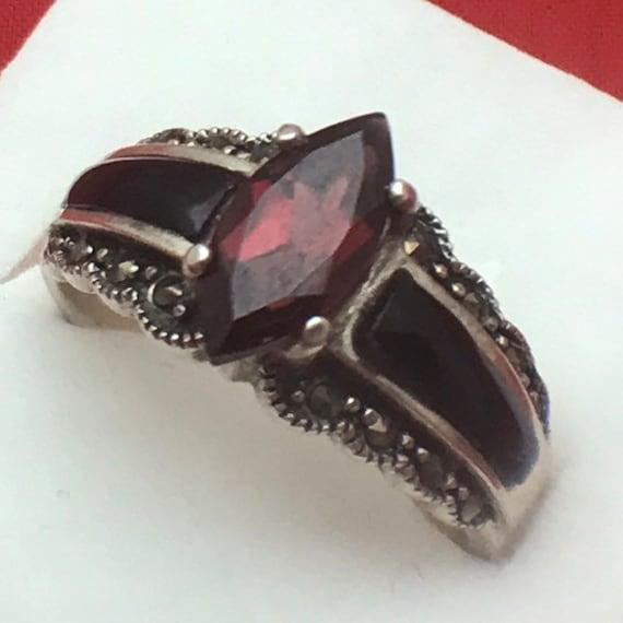 Vintage Sterling Silver Retro Modern Vintage 1990/'s Garnet Cluster Ring