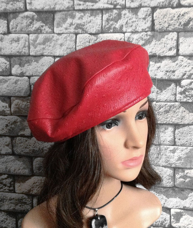 6dbec6f5b6f261 Red Leather Beret Woman Red Hat Fashion Size 56-58 D 27cm | Etsy