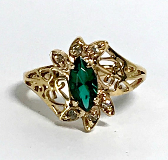 EMERALD Ring Art Deco Emerald Cz and gold Vintage