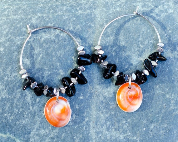 Creole MOLA MOLA black - Glass beads black, hematite, & seal shell Earring hoops creole - Eye of Santa Lucia