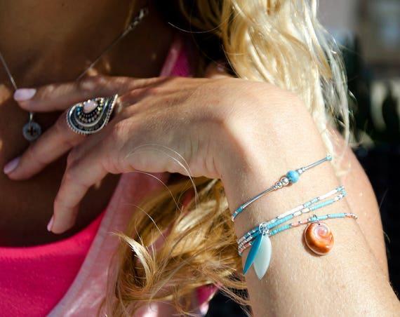 Manchette de 3 Bracelets JULIS/CYANE/ANTHIAS Blanc et bleu