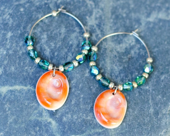 "Green ""Erinite"", orange, silver & seal shell Earring hoops creole - Eye of Santa Lucia"