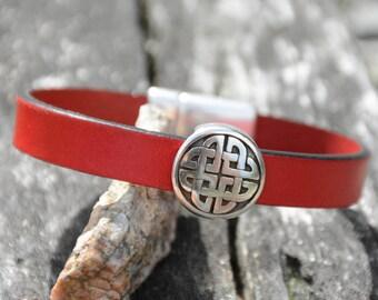 CELTIC KNOT BRACELET, Leather Celtic bracelet, Leather jewelry, Celtic jewelry, Bridesmaids gifts, Celtic heritage , Birthday gifts, symbol