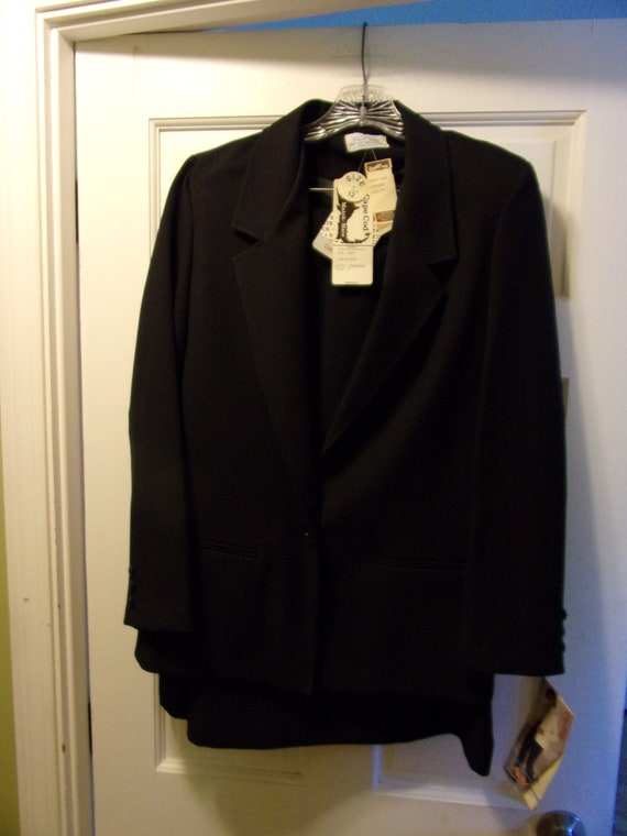 Vintage Cape Cod 2 Piece Skirt & Jacket Suit Black