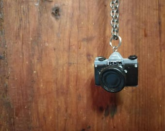 Reflex camera necklace- handmade - photographer gift - miniature camera - Brooches and pendants