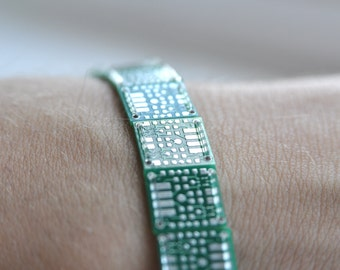 Circuit Board Bracelet | Geeky Jewellery | Elastic bracelet