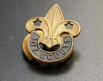 Brass Boy Scouts Fleur De Lis Lapel Badge