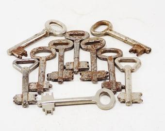 Antique keys primitive keys unique steampunk supplies skeleton keys metal industrial decor house keys rustic doors old keys iron hardware