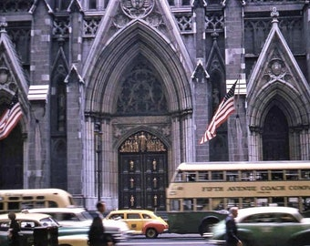 New York City ,  5th Avenue Off 50th Street -With A View Of Saint Patrick's Cathedral (1952)