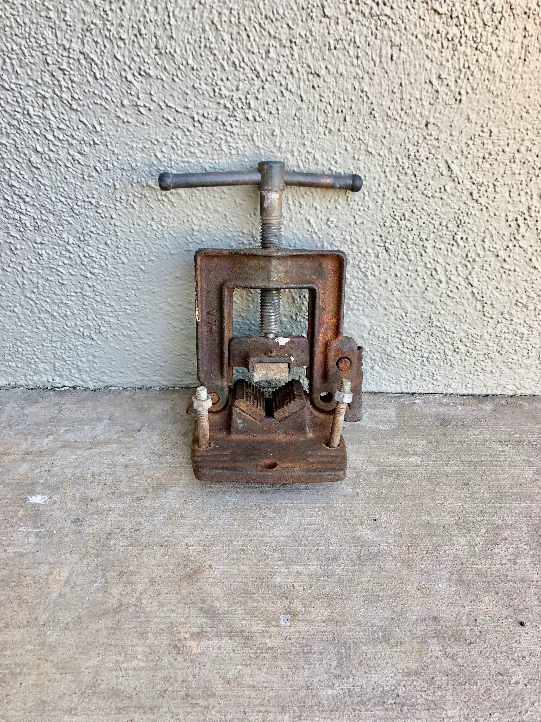Vintage Cast Iron Vise, Bench Mount Pipe Clamp, Rusty Vintage Tools ...
