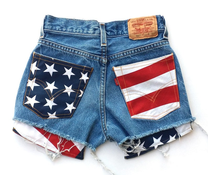 4e1411ab3351 Levis Vintage High Waisted Cut off Jean Shorts American Flag