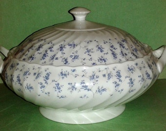 WEDGWOOD * WINDRUSH * Casserole Tureen Bowl + Lid  ~ Made in England ~ Very Rare Vintage