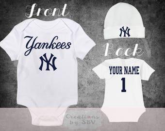 New York Yankees Beanie and bodysuit set - White
