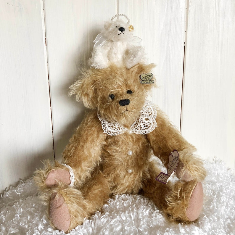 Annette Funicello Bears Annette Funicello Collectible Bear Co.with Lace Collar And Heart Pin Without Return