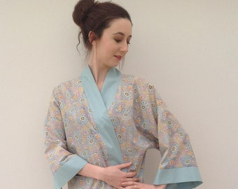 Beautiful 1920s kimono dressing gown with Art Deco print vintage antique