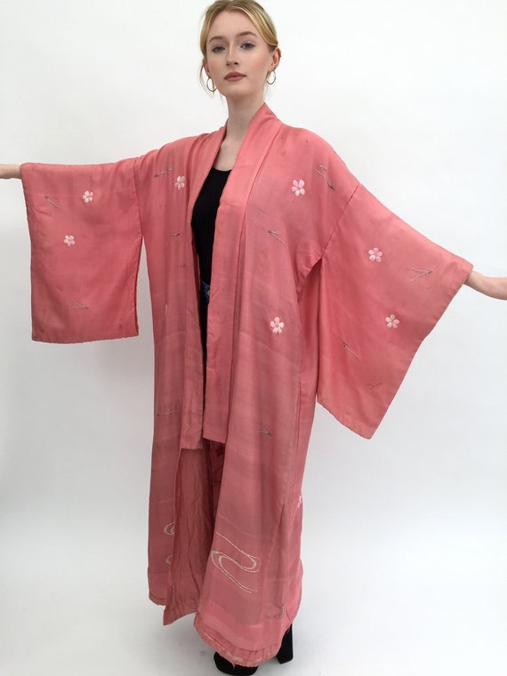 1920s kimono embroidered pink silk antique
