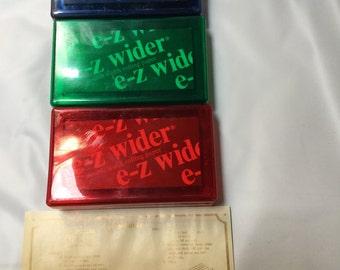 e-z wider hi flyer clean and stash tobacco kit. Rolling paper, 1 cigarette clips