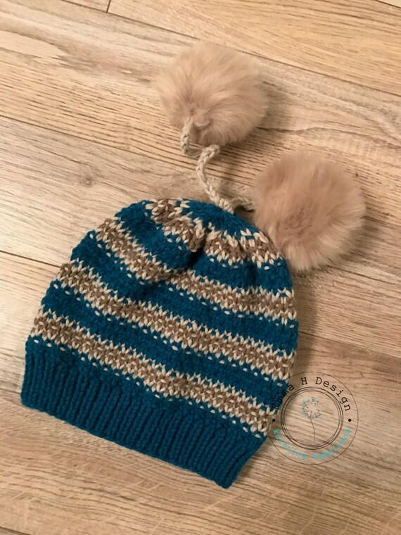 Bonnet Chaleur Arctique avec 2 pompons fourrure   Etsy f2c45da1bf9