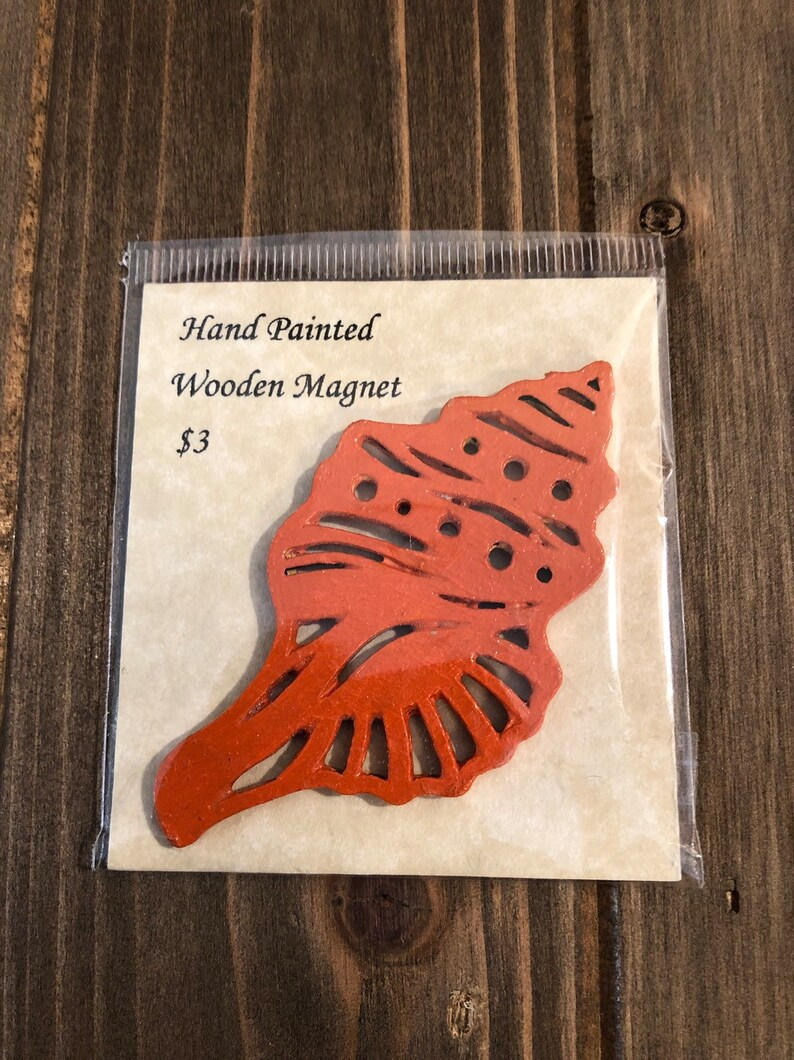 Hand Painted Wooden Shell Magnet