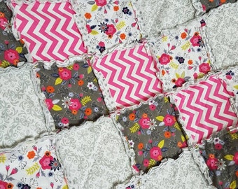 Floral Cot Quilt, Baby Girl Quilt, Unique Baby Bedding, Toddler Blanket, Baby Girl Gift, Baby Christmas Gift, New Mom Gift, Baby Shower Gift
