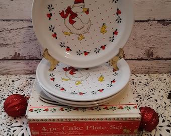 Vintage Set of Four Snowflake Holiday Dessert Plates Christmas Tableware