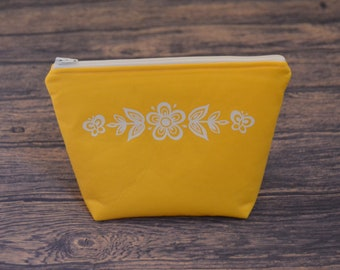 Butterfly Gold Pyrex Inspired Zippered Pouch - Vintage Pyrex Yellow White Makeup Bag College School Zippered Zipper Cosmetic Case Travel