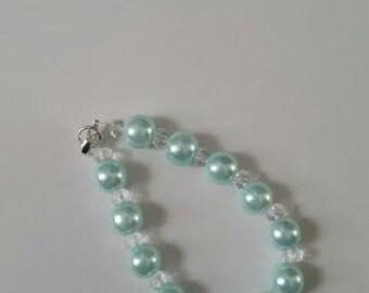 """Light sea foam green """"pearl"""" bracelet"""