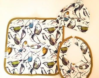 IN STOCK Organic Stretch Cotton Baby Gift Pack -  Burp Cloth, Muslin, Bib & Beanie -  birds abstract set
