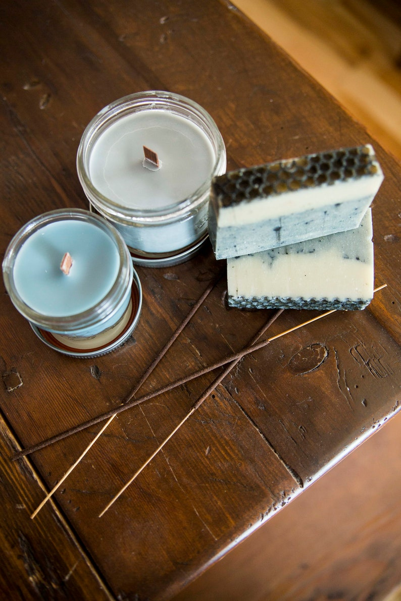 Frankincense candle  Soy wax & cedar wood tick in a small image 0
