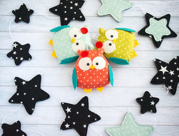 Owl nursery garland black garland baby room garland white black room decor new baby gift mint star garland woodland garland kids room decor