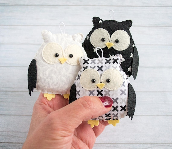 Owl ornament Monochrome nursery decoration Black and white nursery Kids room decor Owl gift for baby mobile Modern nursery black owl mobile