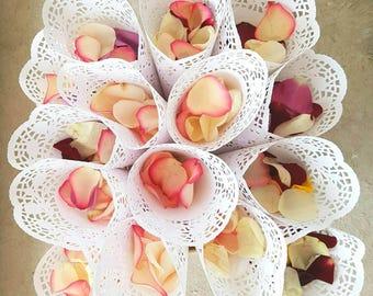 100 Wedding Confetti Cones,Cones for Confetti,Wedding petal cones Confetti,Wedding cones,Paper Cones - already assembled. ready to use