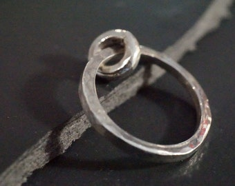 Hammered flat ring and mobile insert. Silver forged and aged hand - ring for wife - mixed-mode - R 4026