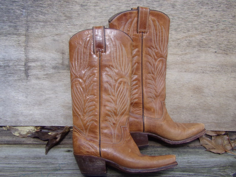 5f248577a55 Vintage Cowboy Boots Women Steve Madden Stylish Brown Leather