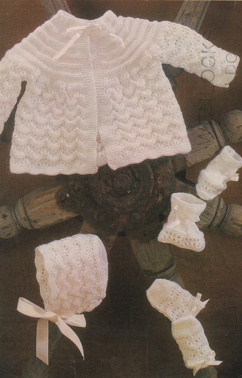 4592bb022a1f Babies Matinee Coat Bonnet Bootees and Mitts Knitting