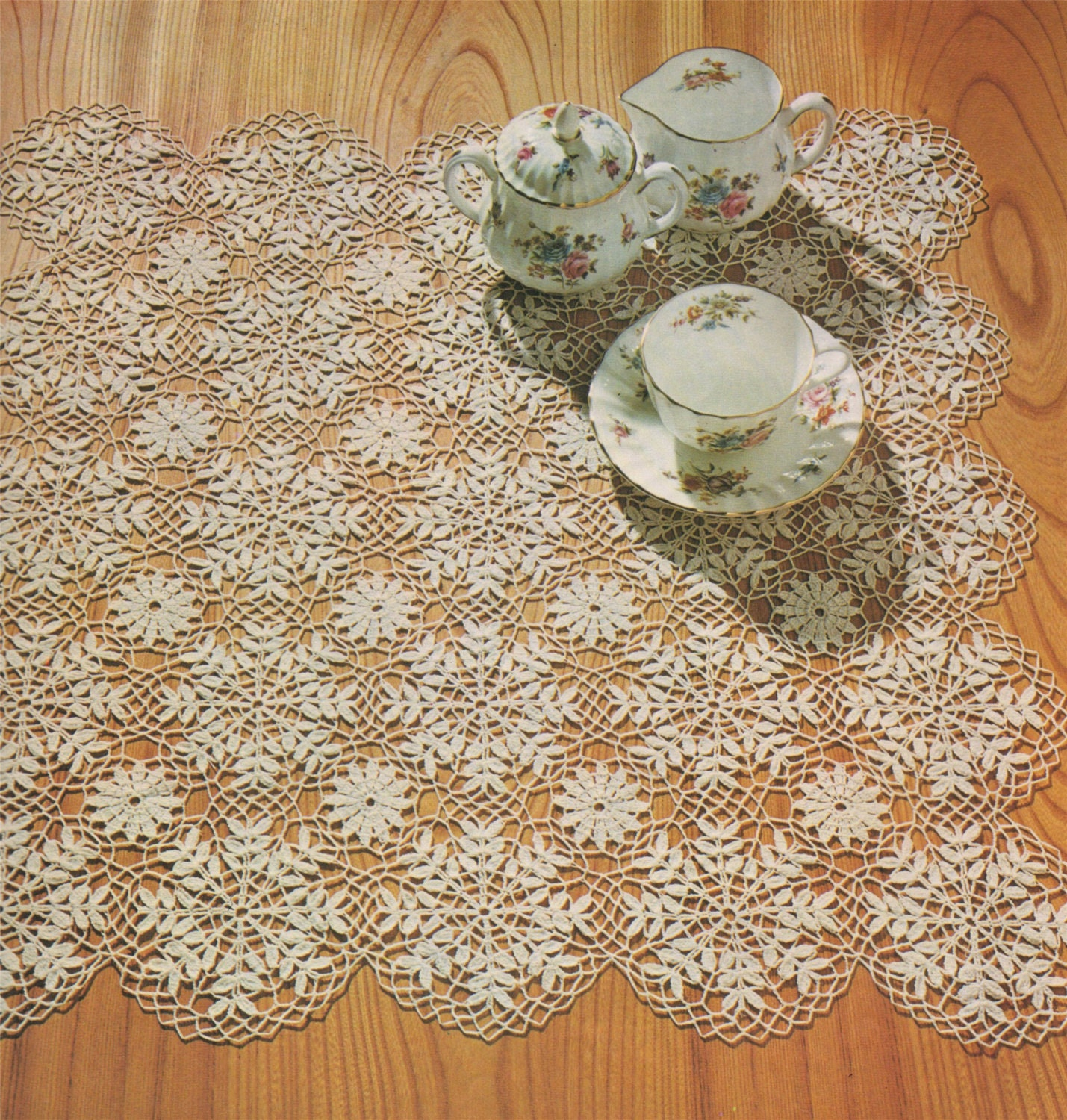 Small Tablecloth e-pattern Download Vintage Crochet Patterns for the Home Square Tablecloth Crochet Pattern PDF Square Doily Mat
