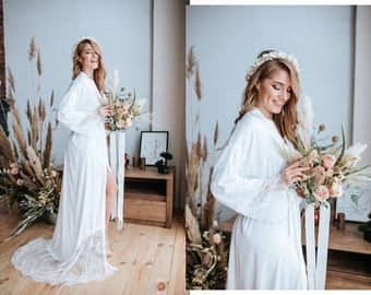70 colors Floor lux bridal silk robe with lace train, silk bridal robe, white ivory robe, Personalized robe with crystal Bride on the back