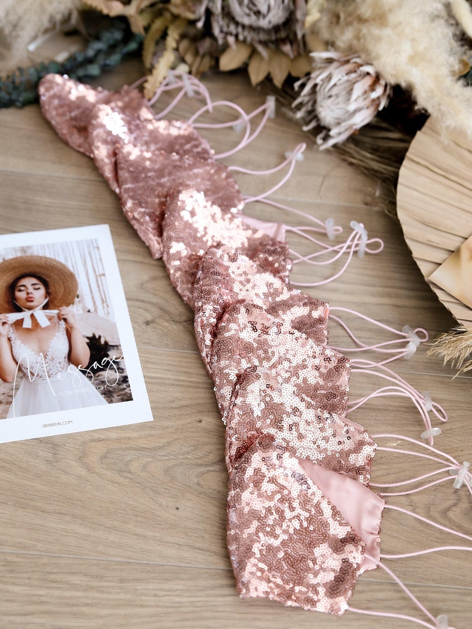 Rosa Masken für Brautjungfern