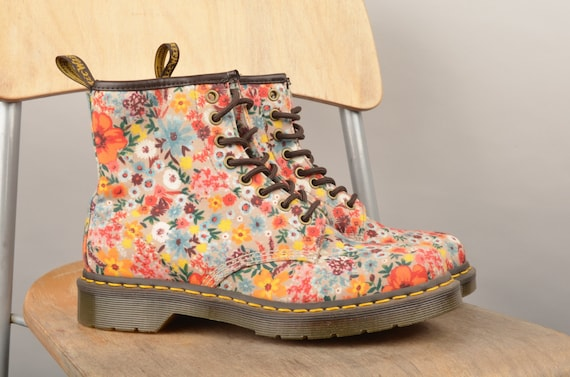 Flowerd dr martens,doc, Martens boots,leather boot