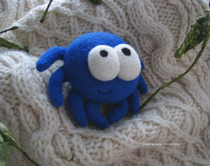 Needle felted Brooch Cute Spider Felt Halloween decor Wool Handmade Felt Brooch Blue Spider Handmade Gift Cute Spider Wool Jewelry Halloween
