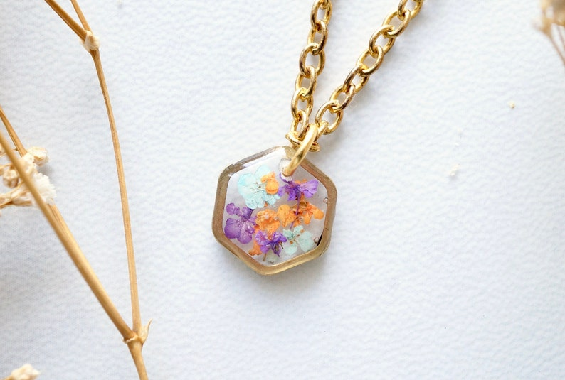 Real Pressed Flowers in Resin Necklace Small Gold Hexagon in image 0