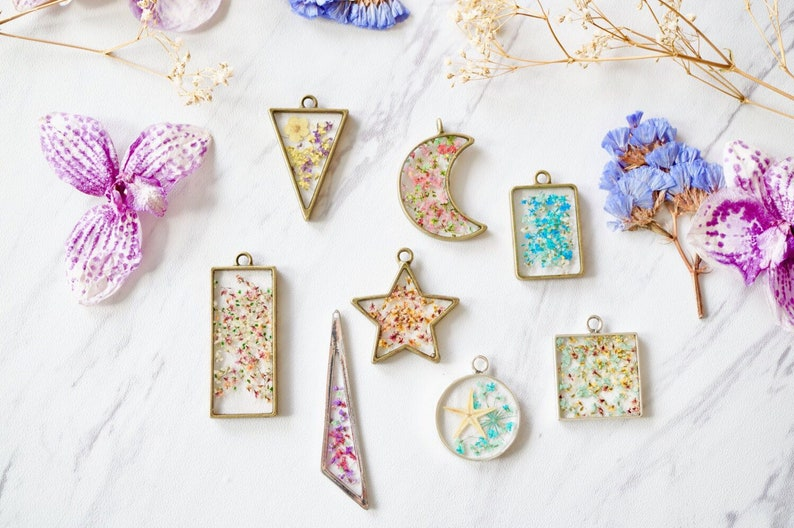 CUSTOM jewelry with your flowers Real Pressed Flowers in image 0